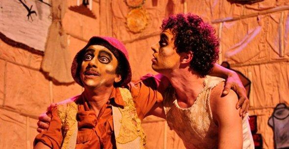 """LoucAtores apresentam a peça """"Ulisses Cabeça de Vento"""" no Sesc Nova Iguaçu."""