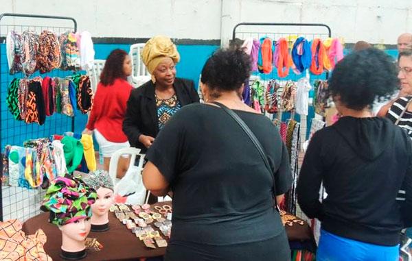 Feira Identidade Negra traz moda, arte e cultura afro ao calçadão deNilópolis