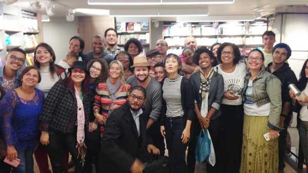 Evento literário atrai jovens e adultos em NovaIguaçu