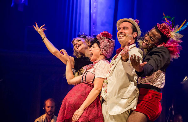 Samba e Seresta embalam o fim de semana no Teatro SESICaxias