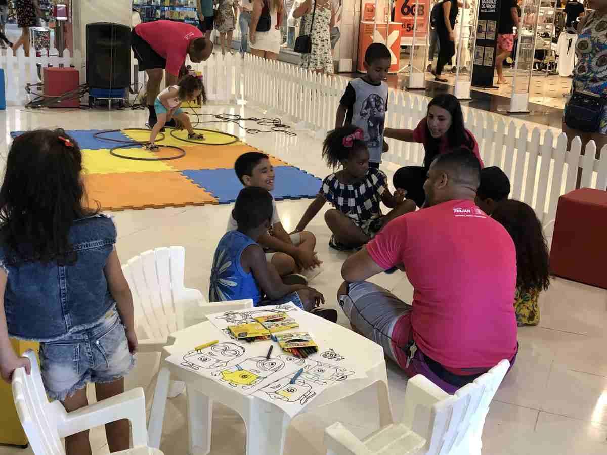 Colônia de férias gratuita no CaxiasShopping